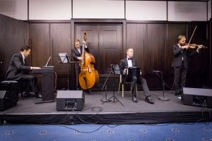Concert, Solo Tango Orquesta, Grauer Bär-1078