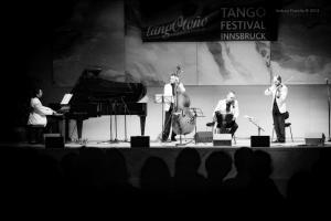 Show-Veliz- Giachello, Congress053